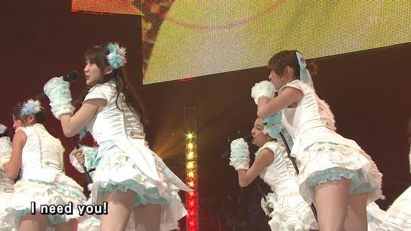 AKB48のパンチラやエロい女子アナウンサーのキャプ画像まとめ