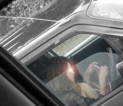 運転中の素人さんが無防備でぐうしこなので盗撮したったwwwww(画像あり)