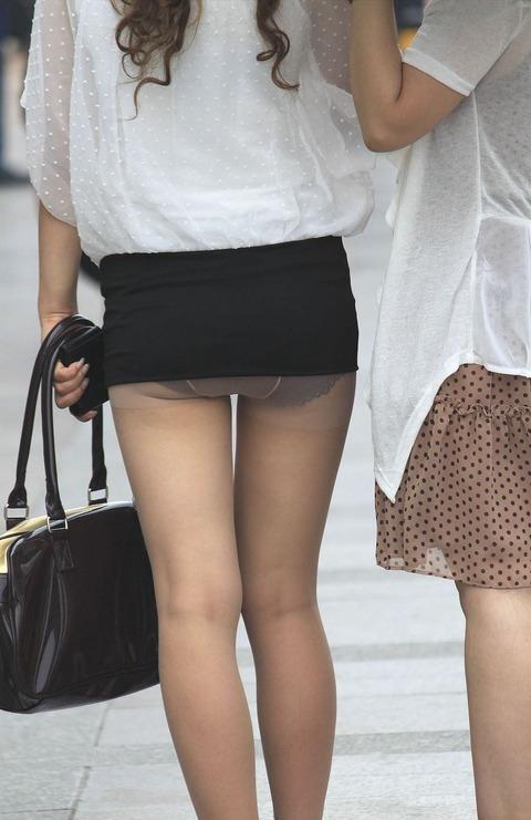 【赤面注意】恥ずかしいぐらいにパンチラしちゃってる素人娘の盗撮エロ画像wwwww