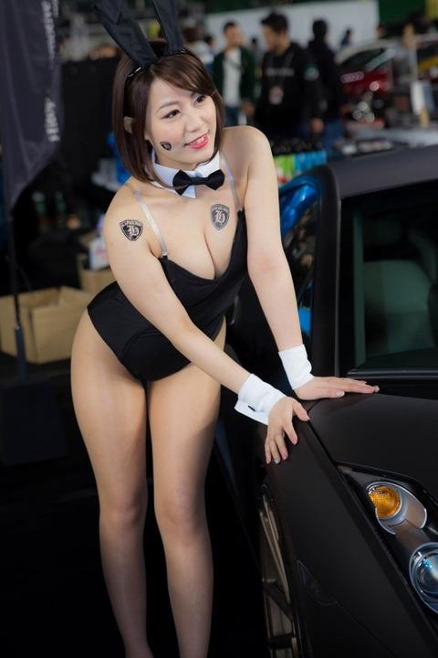 このレースクイーンやキャンギャルのお姉さんがセクシー過ぎてハメたいンゴ・・・(画像あり)