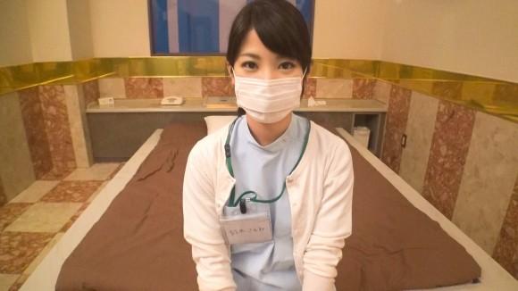 素人の歯科助手さんに白衣を着てもらってハメ撮り