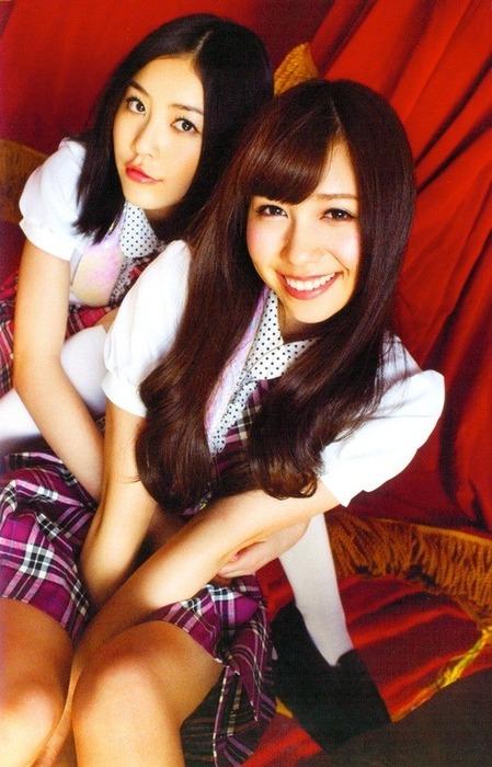 AKB48G メンバー同士が抱き合ってる画像90枚