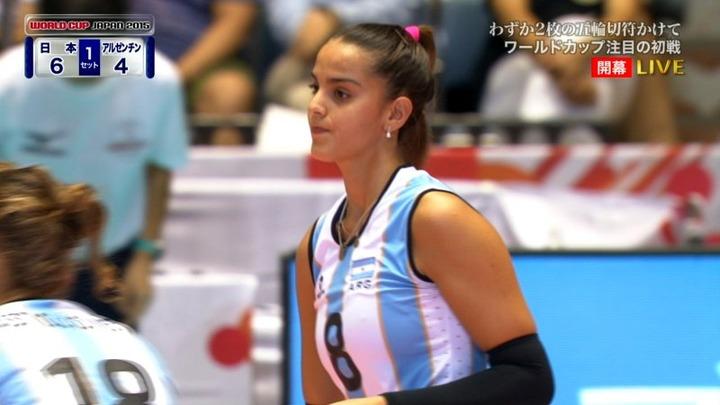 【有名人,素人画像】女子バレーでアルゼンチン代表のピッコロ選手の乳首が浮き出てるエロ画像