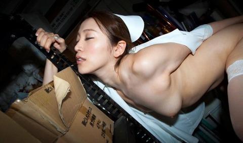 【ナースコスプレエロ画像】完全に性処理科勤務のナースさんがエロすぎるwwwww