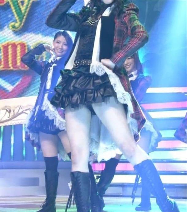 松井玲奈 SKE48がTVのライブ中にパンチラしてる画像