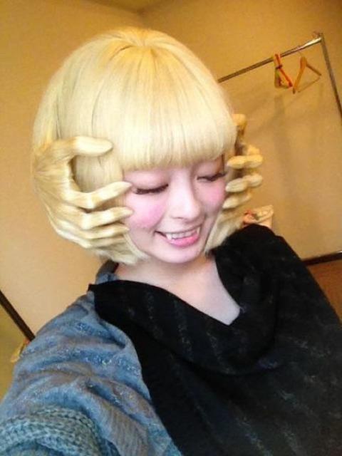 よくわからない髪型6
