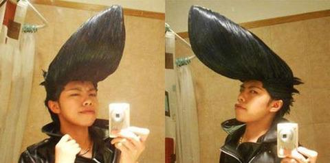 よくわからない髪型4