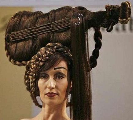 よくわからない髪型126
