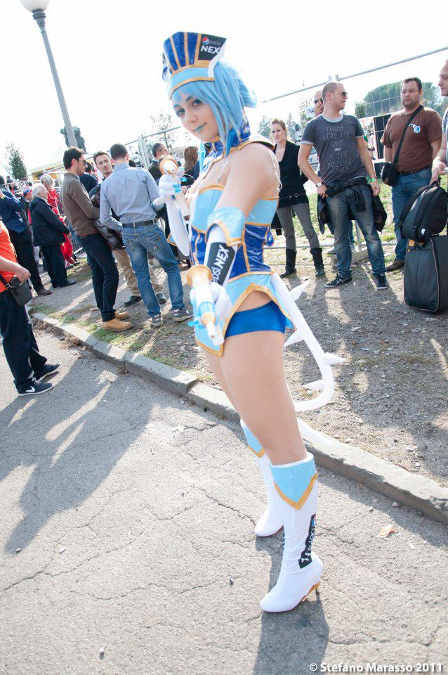 blue_rose_cosplay_by_karycch-d4fixnk