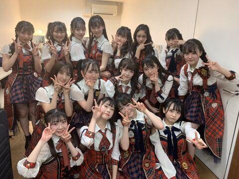 【AKB48G】公演後の反省会、支店「毎回してる」「レッスン場でフリ確認する」「MCの反省会もする」本店「全くしない」←これマジ?