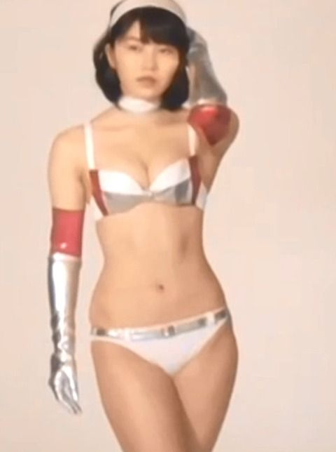 【AKB48】ゆいはんのくびれが凄い!あとおっぱいは右のほうが左より一回り大きいんだね【横山由依】