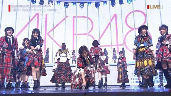 【第68回NHK紅白歌合戦】「渡辺麻友今日で卒業!AKB48が「11月のアンクレット」「365日の紙飛行機」「大声ダイヤモンド」を披露」の感想まとめ(キャプチャ画像あり)