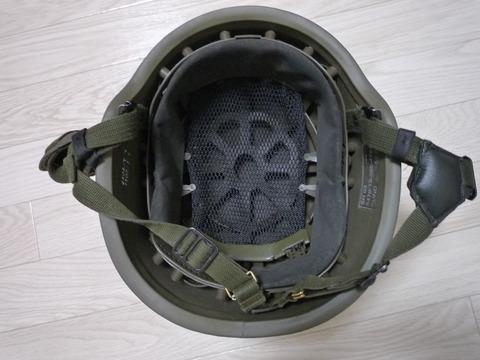 空挺ヘルメット内側