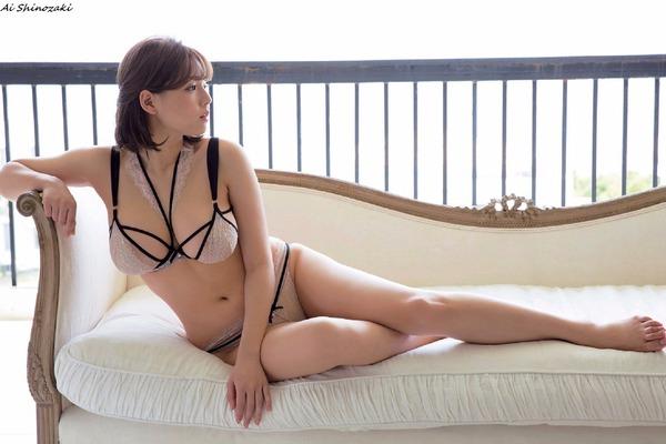 ai_shinozaki_V7_16