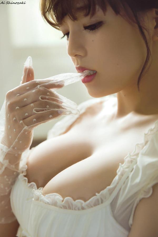 ai_shinozaki_V7_03