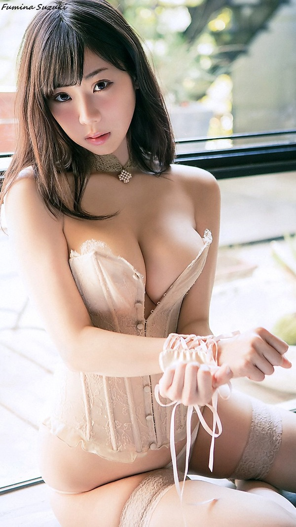 fumina_suzuki_V2_04