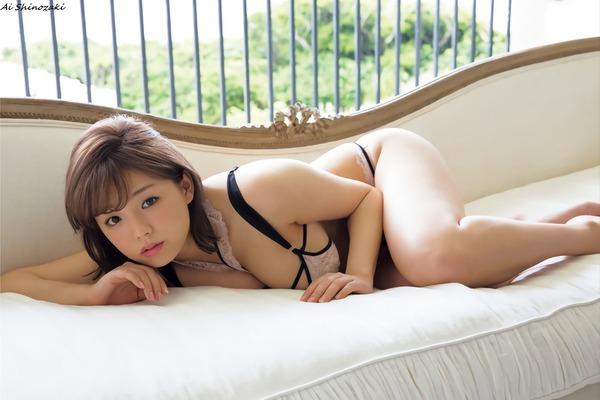 ai_shinozaki_V7_14