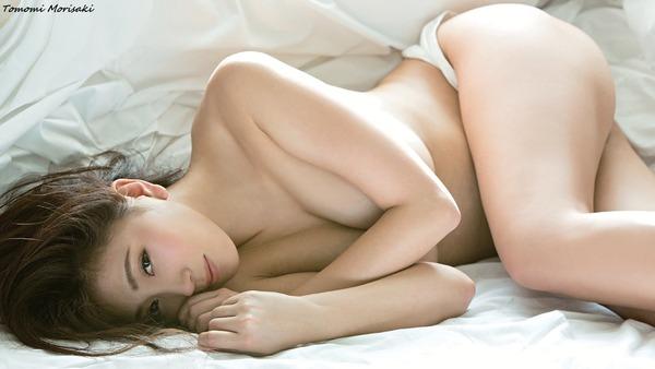 tomomi-morisaki-04653359b_e