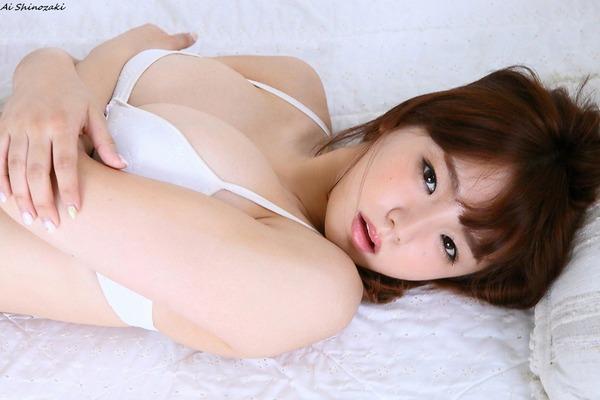 ai_shinozaki_V6_15