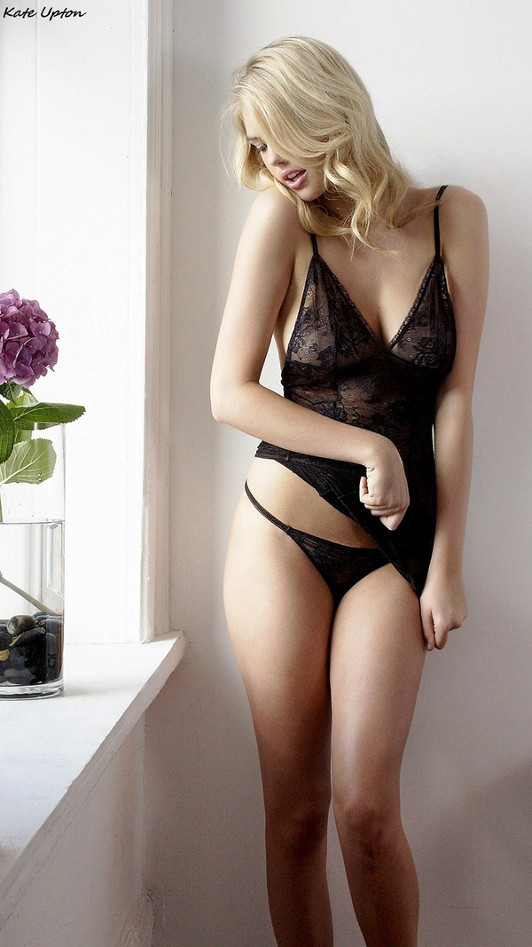 Kate Upton  Lingerie_19