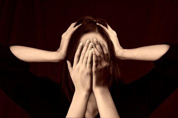 片頭痛は女性に多い。その理由が解明される(米研究)