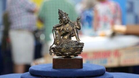【奇跡】ガレージセールで買った1万円の菩薩像が途方も無い金額で落札される・・・