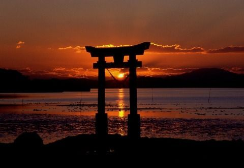 【ミステリー】日本各地の神社にあるとばしらの秘密...10人目の柱の正体とは...