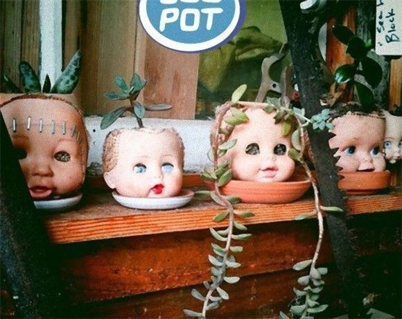 リサイクルではあるんだけども...使わなくなった人形を植木鉢代わりにするのが流行っているらしい...