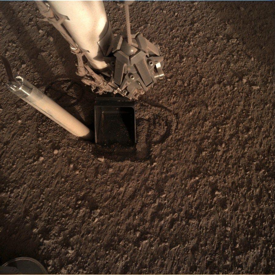 【火星】地中に埋めたセンサーがなぜか押し戻される