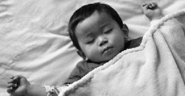 俺は、よくうなされたり寝ながら愚図ったりする子供だったらしい。  俺が4歳、姉が小学2年生くらいだったある晩。(たしか秋頃だった)