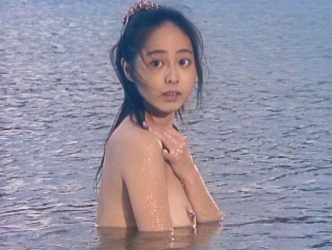 nud_makiko_ueno_kuno14_001