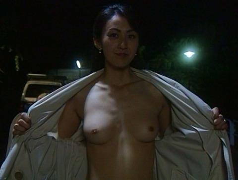 nud_tomomi_sugiura_chikan5_003