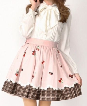 こういうオタ臭い服装の女の子wwwwwwwwwwwww (※画像あり)