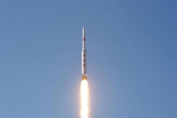 【速報】北朝鮮ミサイル発射、しかも日本に着弾・・・