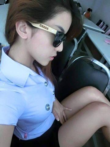 タイの女子大生のスリスリしたいセクシーすぎる太ももwwwww