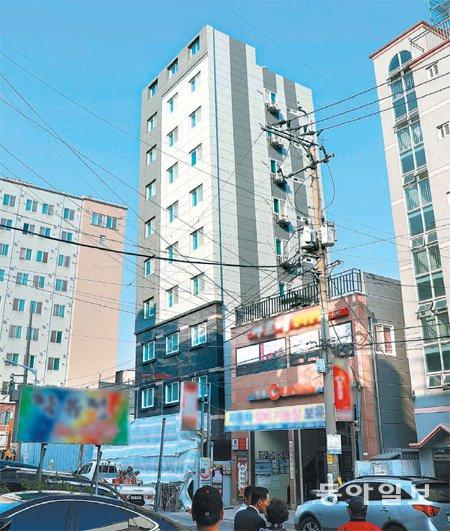 韓国でビルがピサの斜塔のように傾く 1棟だけでなく次々発覚wwwwwwwww