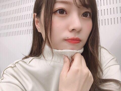 【乃木坂46-梅澤美波】ハイネックが大好きです♪