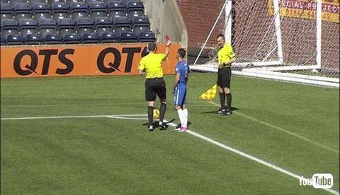 【動画あり】スコットランドのサッカーリーグで主審が副審にレッドカードの珍事が発生wwwwwwwwwww