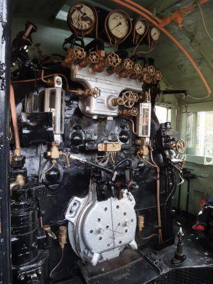 機関車_400