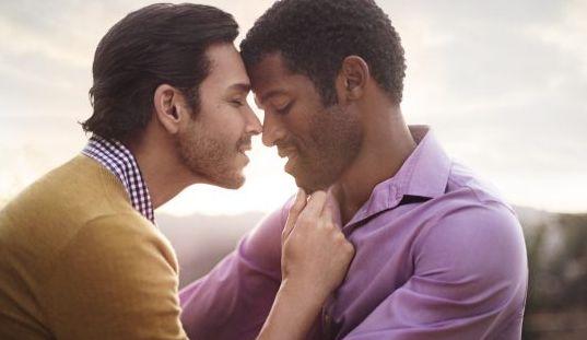 LGBT】ゲイのキスを目撃すること...
