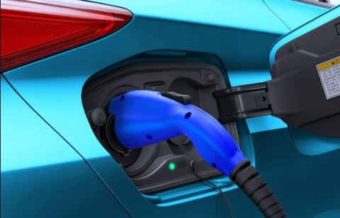 【EV】トヨタが全固体電池車 フル充電数分 2022年国内で発売