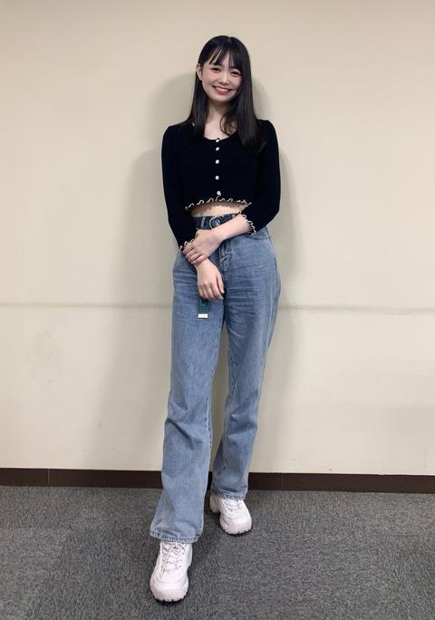 NMB48黒田楓和が高身長でスタイル抜群