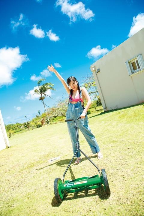 安藤咲桜2nd水着グラビアDVD「サクライロ!」