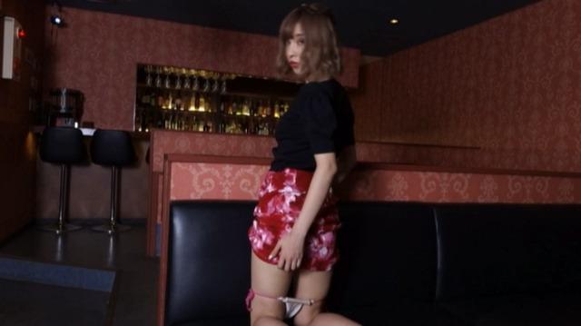 鎌沢朋佳グラビアDVD「ハッピービッチ」 (9)