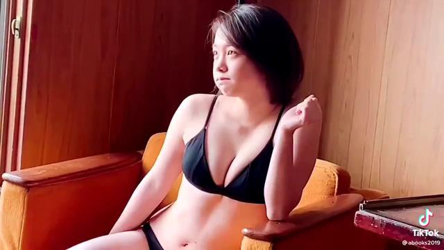 新田あゆな水着グラビアメイキング (13)