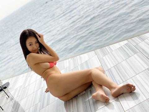 HARUKAのFカップ水着グラビア