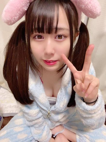 新川紗矢音セクシーツイッター写真