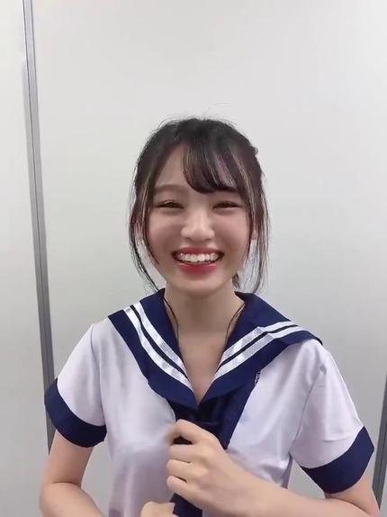 新澤菜央のネクタイ結べない動画 (5)