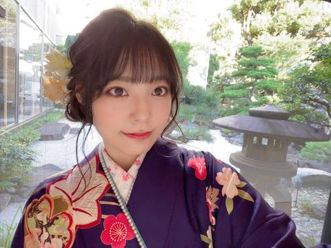 NMB48イ・シヨン振袖写真