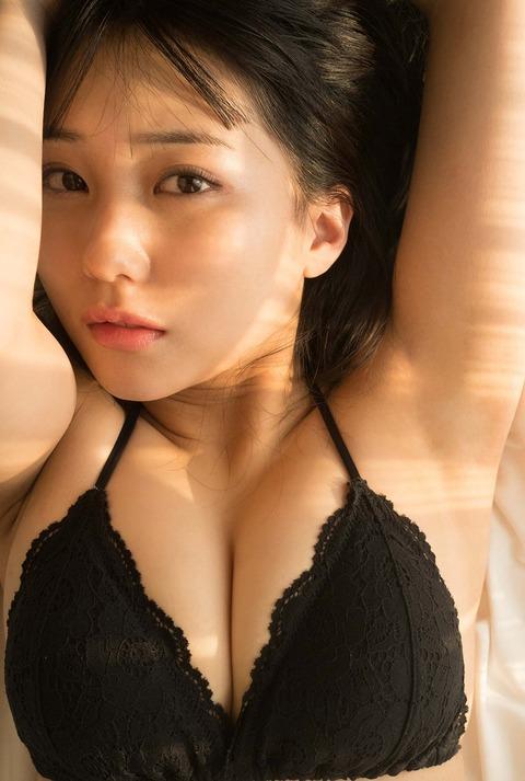 HKT48センター田中美久1st写真集セクシー先行カット